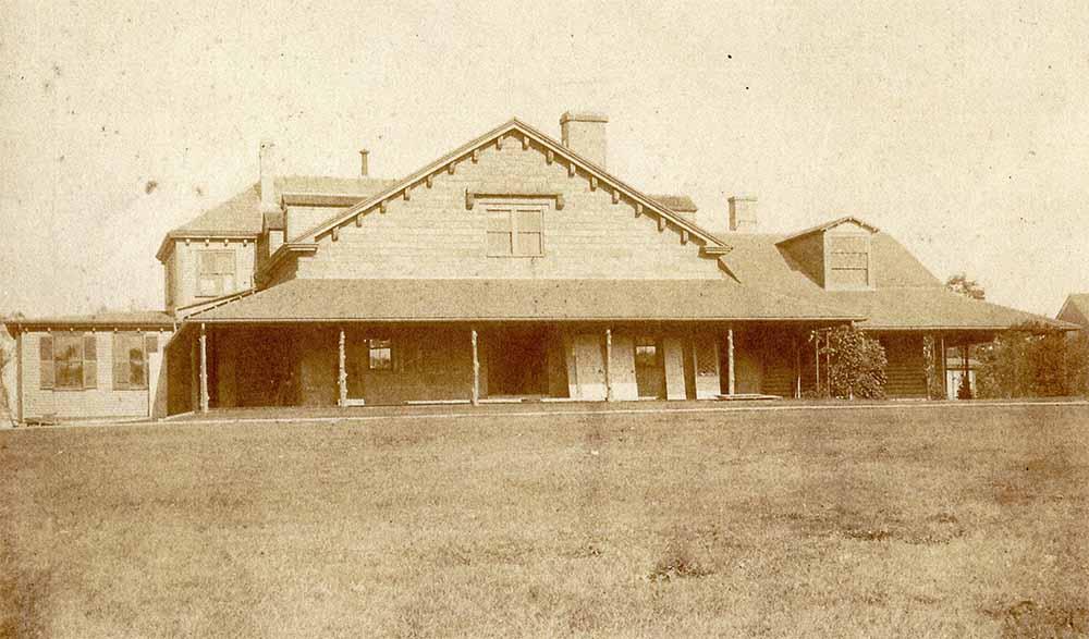 tudor residence